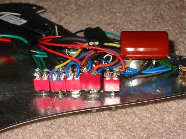 http://www.cliffmccarthy.net/images/guitar_wiring/guitar_wiring02.jpg