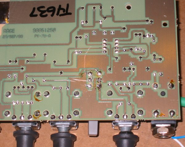 http://www.cliffmccarthy.net/images/peavey_rage108_footswitch/resoldered_board.jpg
