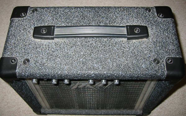 http://www.cliffmccarthy.net/images/peavey_rage108_footswitch/top_screws.jpg